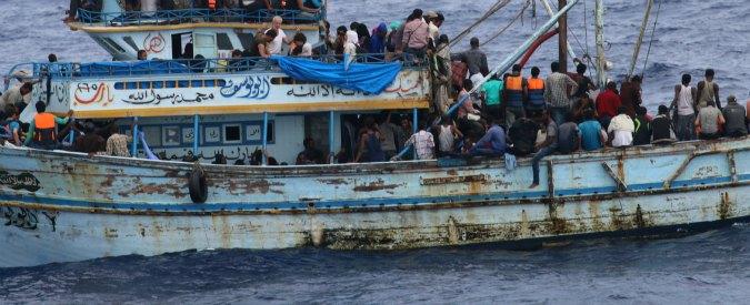 Migranti, diminuiscono le partenze dalla Libia ma crescono quelle dall'Algeria: la nuova rotta porta gli sbarchi in Sardegna