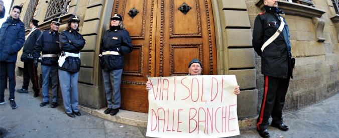 """Banca Etruria, la denuncia della 92enne: """"Mi consigliarono di sostituire i bot con le obbligazioni subordinate"""""""