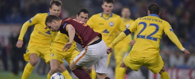 Champions League, Roma agli ottavi tra sofferenza e fischi: mancavano da 2010, ma è una qualificazione triste – Video