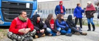 Saeco dirotta le merci in Romania per evitare il blocco dei tir da parte dei dipendenti in sit-in permanente