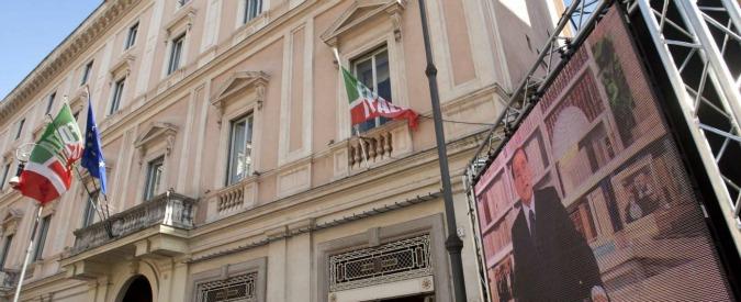 Forza Italia resta senza casa, abbandona la sede di San Lorenzo in Lucina. Licenziati 81 dipendenti, salvi forse in 10