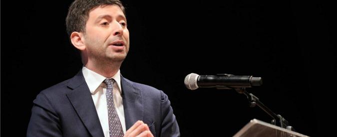 """Speranza si candida alle primarie Pd: """"Mi batterò con Renzi"""". Emiliano e Rossi lo frenano: """"Presto per fare nomi"""""""