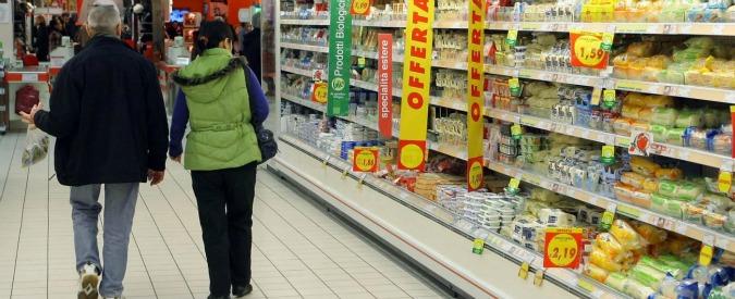 """Inflazione, Istat: """"A gennaio +0,9% anno su anno"""". Grande distribuzione: """"Ora il governo non può aumentare le imposte"""""""