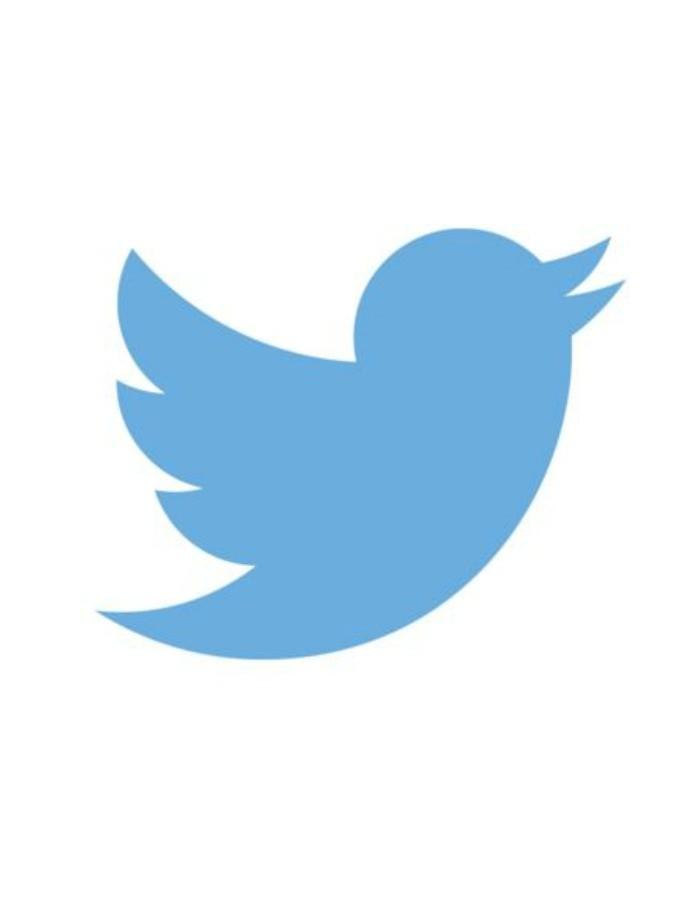 """Twitter, il social dove il porno è """"libero"""": nessun filtro né censura per centinaia di immagini hard"""