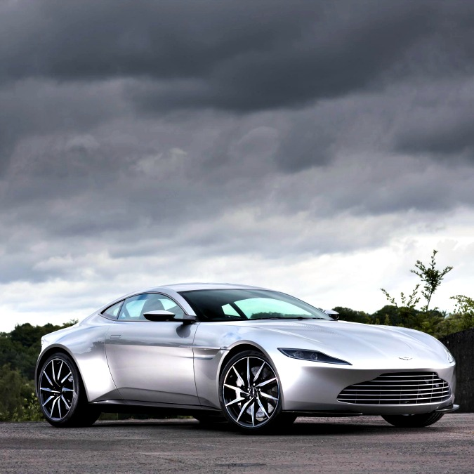 Aston Martin DB10, la specialissima auto di James Bond in Spectre va all'asta