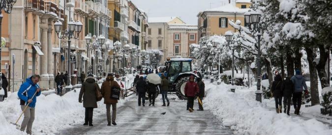 Campobasso, nevicate abbondanti e sciame sismico. Scuole chiuse