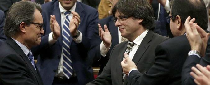 Catalogna, eletto il nuovo presidente. E' l'indipendentista Carles Puigdemont