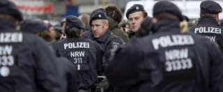 """Colonia, polizia federale: """"Aggressioni organizzate sui social"""". E Berlino inasprisce leggi diritto d'asilo"""