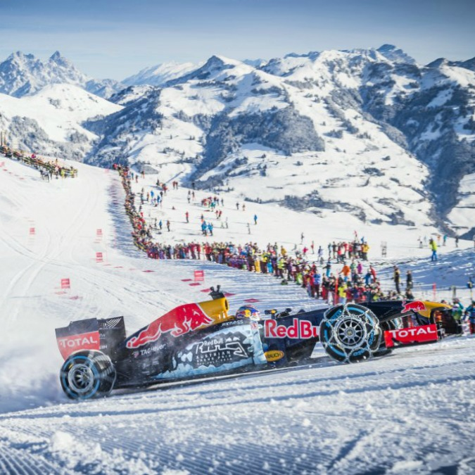 Red Bull rischia 30.000 euro di multa per show F.1 sulle nevi di Kitzbühel – VIDEO