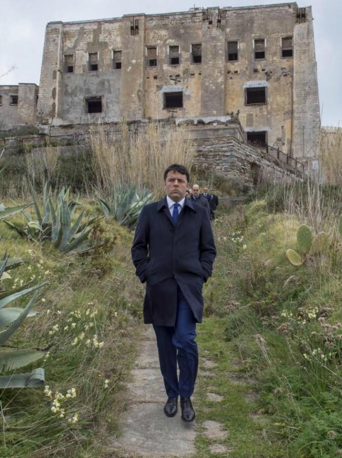 """Ventotene, 80 milioni per recuperare il carcere degli antifascisti. Renzi: """"Sarà luogo di formazione per l'elite dell'Ue"""""""