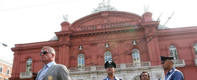 Teatro Petruzzelli, mazzette per truccare gli appalti: 5 arresti per corruzione a Bari