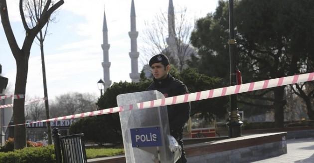 Turchia, esplosione nella Istanbul dei turisti: morti e feriti