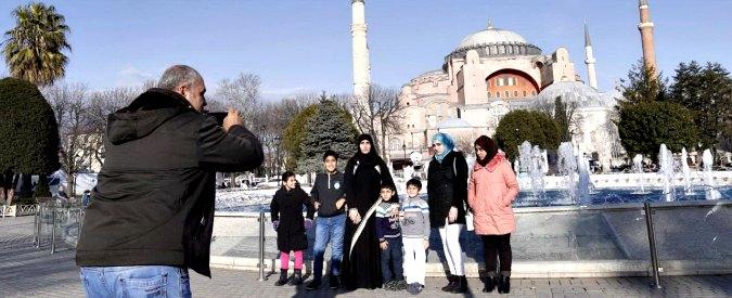 Attentato a Istanbul, destabilizzare economia e opinione pubblica: ecco perché il terrore colpisce il turismo