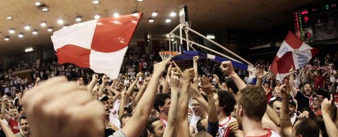 Basket, la vittoriosa marcia della Pallacanestro Reggiana: dal baratro della serie B al primo posto nel girone