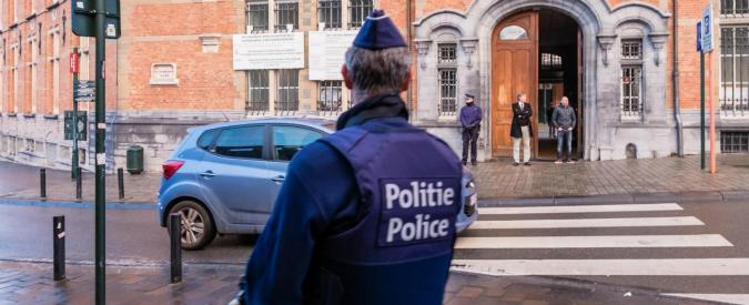 """Attentati Parigi, scoperto a Bruxelles covo dove si è nascosto Salah. Procuratore belga: """"Si teme attacco il 15 gennaio"""""""