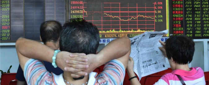 Borse, Pechino immette 20 miliardi per evitare tracollo. Europa in rialzo ma non c'è rimbalzo dopo il lunedì nero
