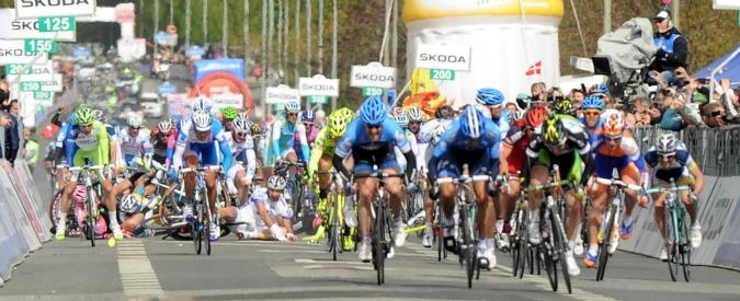 Ciclismo, l'ultima frontiera del doping (legale): narcotici per eliminare la fatica. Ipotesi tramadolo all'origine delle cadute