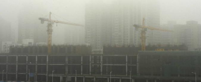 Cina, il flop dell'urbanizzazione a misura d'uomo: città fantasma e centri commerciali vuoti in mezzo alla steppa