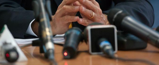Aemilia, processo alla stampa prima di quello ai clan. Gli avvocati controllano i giornalisti. Politici zitti
