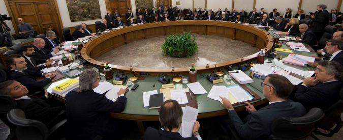 """Referendum, """"riforma fondata su corruzione"""": rischio azione disciplinare per il giudice Caruso"""