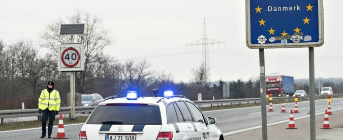 """Migranti, commissario Ue: """"Schengen va salvaguardata"""". Danimarca e Svezia: """"Troppi arrivi, rafforzare frontiere"""""""