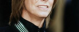 """David Bowie, il regista di Lazarus: """"Aveva un cancro da un anno e mezzo e l'ha tenuto nascosto"""""""