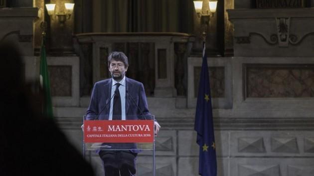 Matteo Renzi e il ministro Franceschini a Mantova