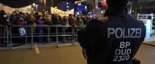 Colonia, incidenti e violenze a Lipsia Neonazisti attaccano negozi: fermi