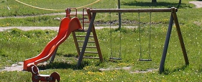 Vercelli, mensa e parco giochi vietati ai figli di chi non paga le tasse
