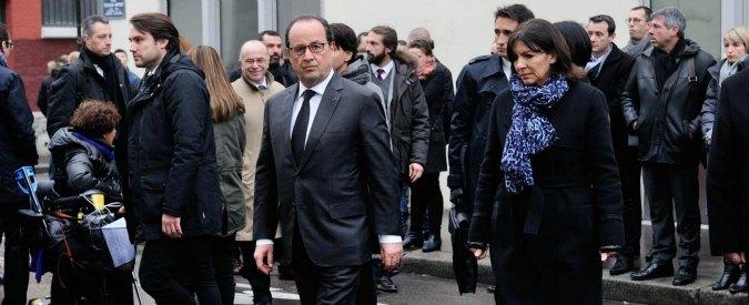Francia, 'decadenza nazionalità terroristi': Hollande (e i sondaggi) insieme alla destra per introdurla in Costituzione