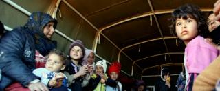 """Migranti, Svizzera come Danimarca: """"Confisca di 1.000 € a richiedenti asilo"""""""