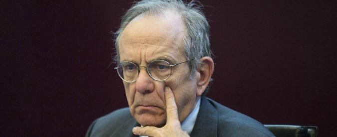 """Bad bank, il ministro Padoan: """"Raggiunto accordo con Ue"""". Vestager: """"Garanzie a prezzi di mercato"""""""