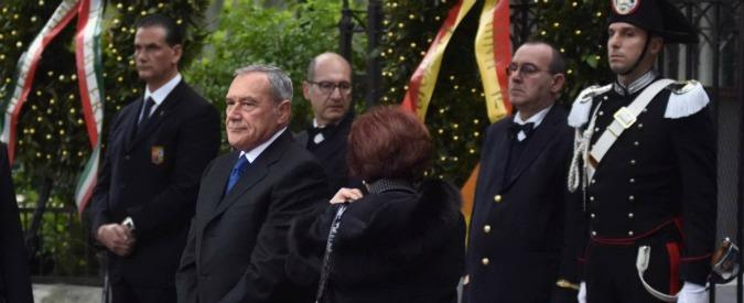"""Omicidio Piersanti Mattarella, Grasso: """"Ci fu depistaggio"""". Il volto del presunto sicario rimasto nelle carte e mai diffuso"""