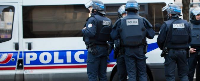 Francia, tenta di investire con l'auto i militari a protezione di una moschea