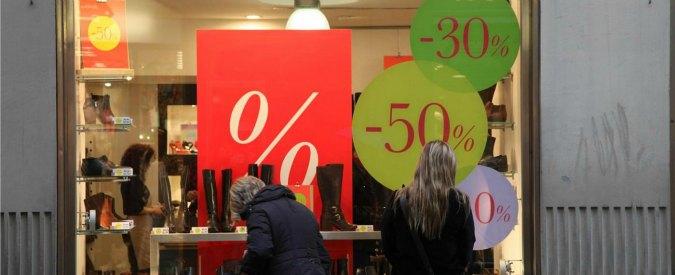 """Crescita, a luglio vendite al dettaglio giù dello 0,3% nonostante i saldi. Codacons: """"Commercio in crisi nerissima"""""""