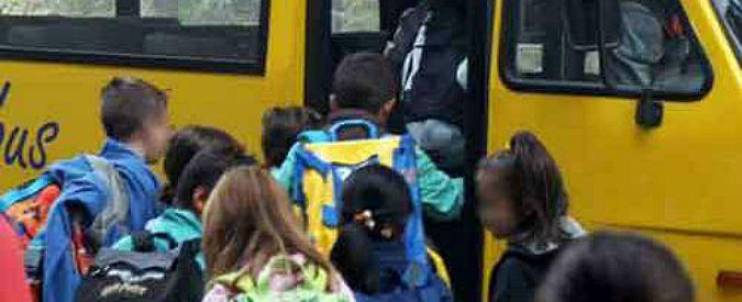 Bologna, automobilista aggredisce con mazza chiodata uno scuolabus dopo tamponamento