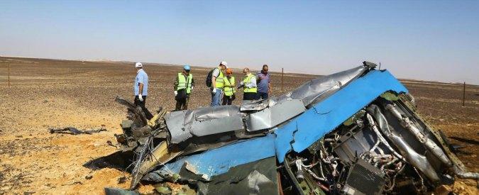 """Aereo russo caduto sul Sinai, Reuters: """"Meccanico Egyptair con cugino dell'Isis ha messo la bomba"""""""