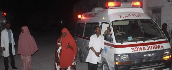 Somalia, doppio attacco terroristico a Mogadiscio: almeno 20 morti. Rivendica al-Shabaab