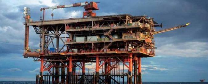 Trivelle, ecco #dismettiamole: la campagna di Legambiente per chiudere 38 piattaforme petrolifere e 121 pozzi