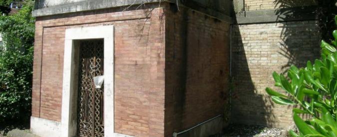 """Cimiteri Roma, Ama mette all'asta cappella """"fatiscente"""". Acquirente chiede i danni e studia denuncia per truffa"""