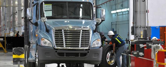 Bilanci floridi, ma Daimler (in America) e Ford (in Europa) riducono il personale
