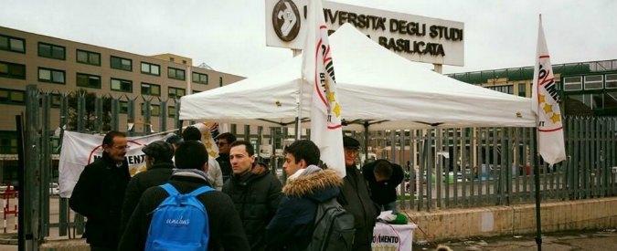 Università, raccolta firme M5s in tutta Italia per chiedere la riduzione delle tasse