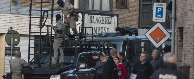 Isis, arrestate a Bruxelles 10 persone con l'accusa di reclutamento di militanti