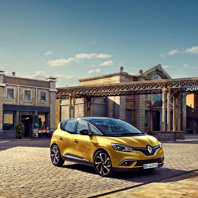 Renault Scénic, ecco la quarta generazione della monovolume francese