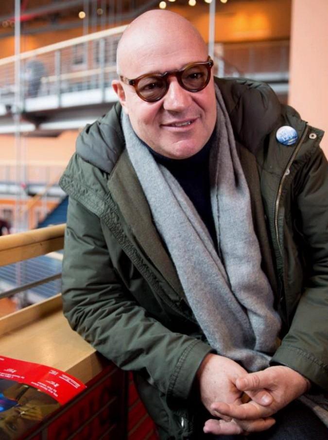 """Efa 2016, Fuocoammare miglior documentario. Gianfranco Rosi: """"Con barriere non c'è speranza"""""""