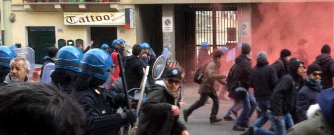 Cagliari, Salvini inaugura circolo leghista Scontri tra la polizia e antifascisti