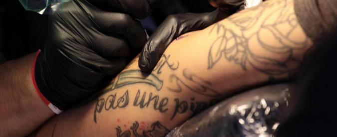 Istat, cambia il paniere: entrano i tatuaggi e leggings da bambina, escono i vagoni-letto. Inflazione in lieve aumento