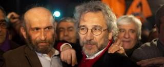 """Turchia, scarcerati giornalisti che fecero scoop su armi in Siria. Can Dundar: """"Festeggeremo compleanno di Erdogan"""""""