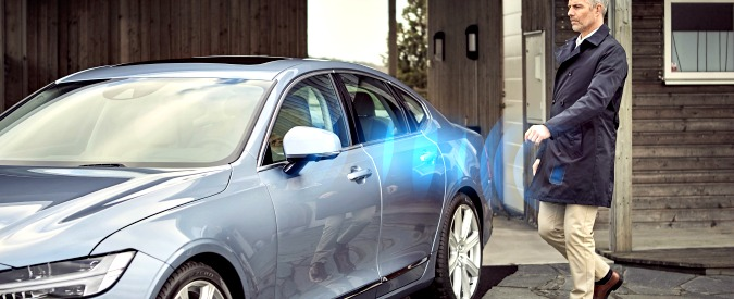 Volvo, addio chiave: per aprire l'auto basterà un'app sullo smartphone
