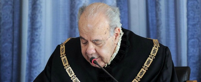 Consulta, il presidente annuncia le dimissioni per motivi familiari